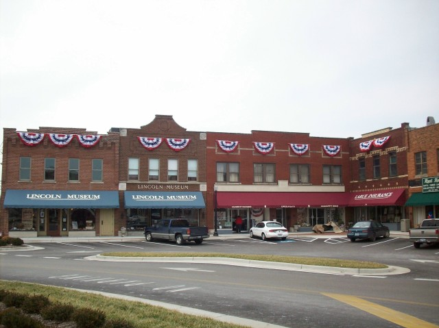 LINCOLN SQUARE DURING PRESIDENTIAL VISIT FEBRUARY 2008