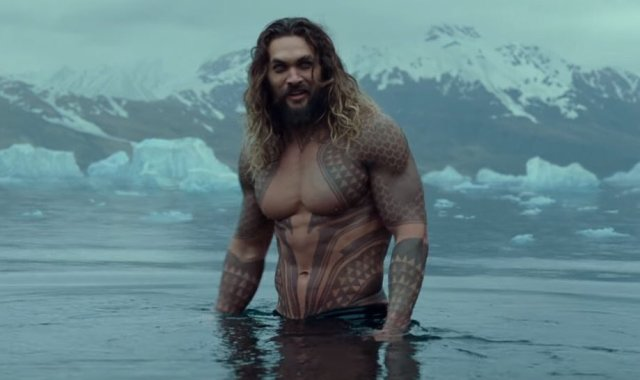 AQUAMAN JASON SHIRTLESS