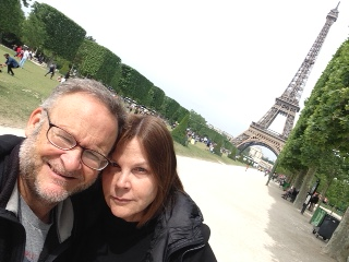 EIFFEL TOWER AVEC SANDY