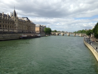 SEINE RIVER ACROSS FROM NOTRE DAME